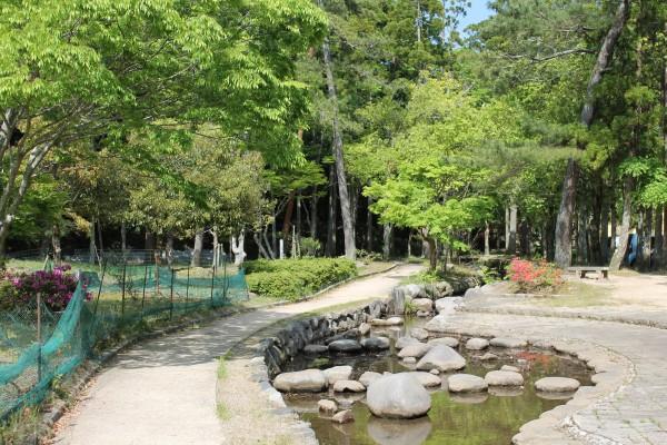放哉の小径 樗谿公園